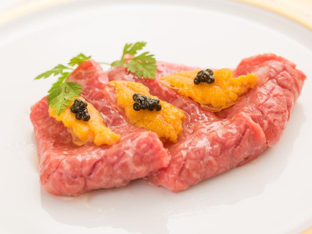西麻布の高級焼肉割烹「けんしろう」の姉妹店、「焼肉 うしみつ 恵比寿本店」が2月9日(木)にオープン。