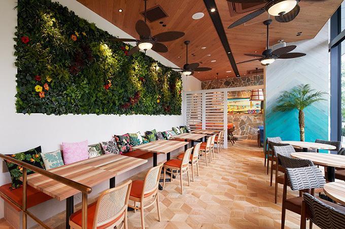 温もりある店内でハワイの雰囲気を感じながらゆったり過ごしたいですね。食後にはコナコーヒーで一息入れるのもアリ。
