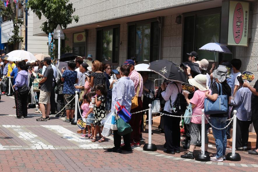 から揚げと玉子焼きの店「から揚げの天才」2号店 が7月29日、矢口渡にオープン。初日は760人が来店