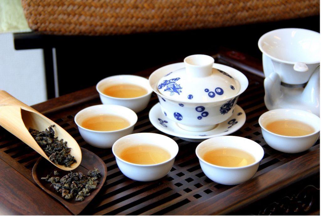 珍しい限定茶葉など日常飲料から茶席設えまでの様々なグレードの茶葉や茶器を取り揃えています。